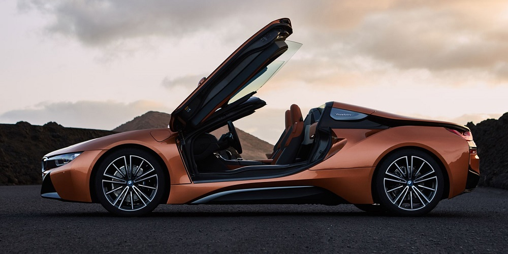 BMW to showcase the all-new i8 Roadster at the #AutoExpo2018