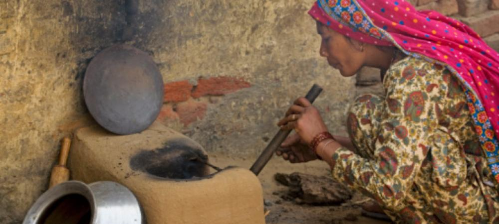 How should India build a clean cooking ecosystem for rural households?